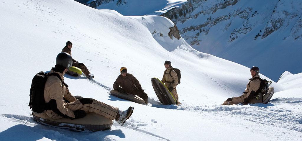 Winter Teamevent mit Airboard und Ruckxbob