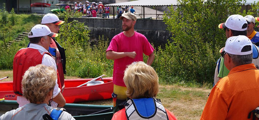 Teamevent Flossbau auf der Donau für grössere Teams bis 40 Personen