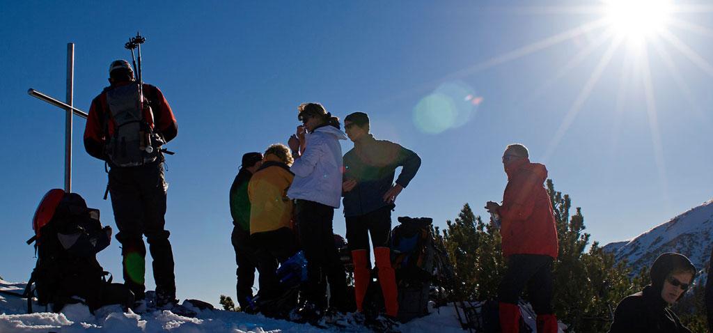 Gipfeltour auf Schneeschuhen als Teamevent