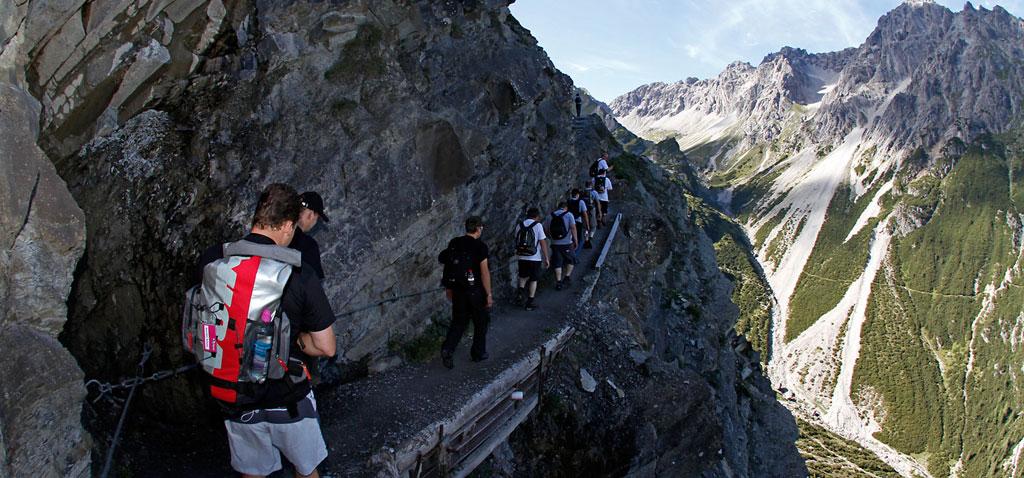 Alpines Teamevent und Teambuilding mit Klettersteig in der Ötztal Region in Österreich